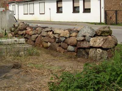 Findlingsmauer Usedom 2004