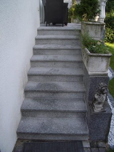 Treppe-Granitbelag
