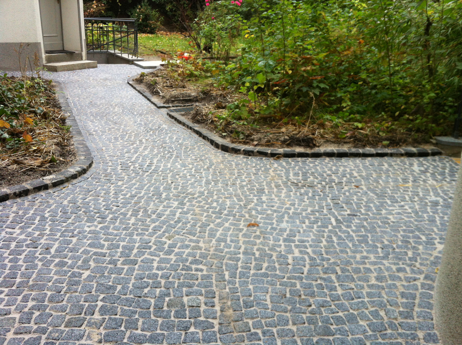natursteinpflaster granit basalt mosaik berliner passe. Black Bedroom Furniture Sets. Home Design Ideas